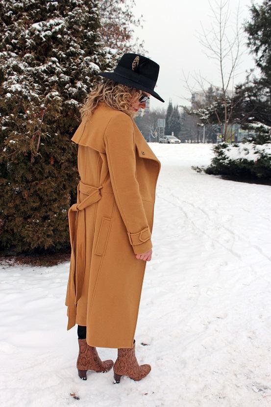 camel coat skuška